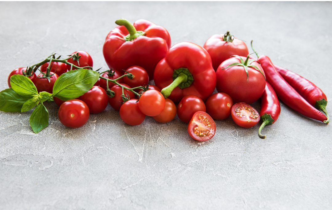 Una alimentación saludable. Alimentos de color rojo.