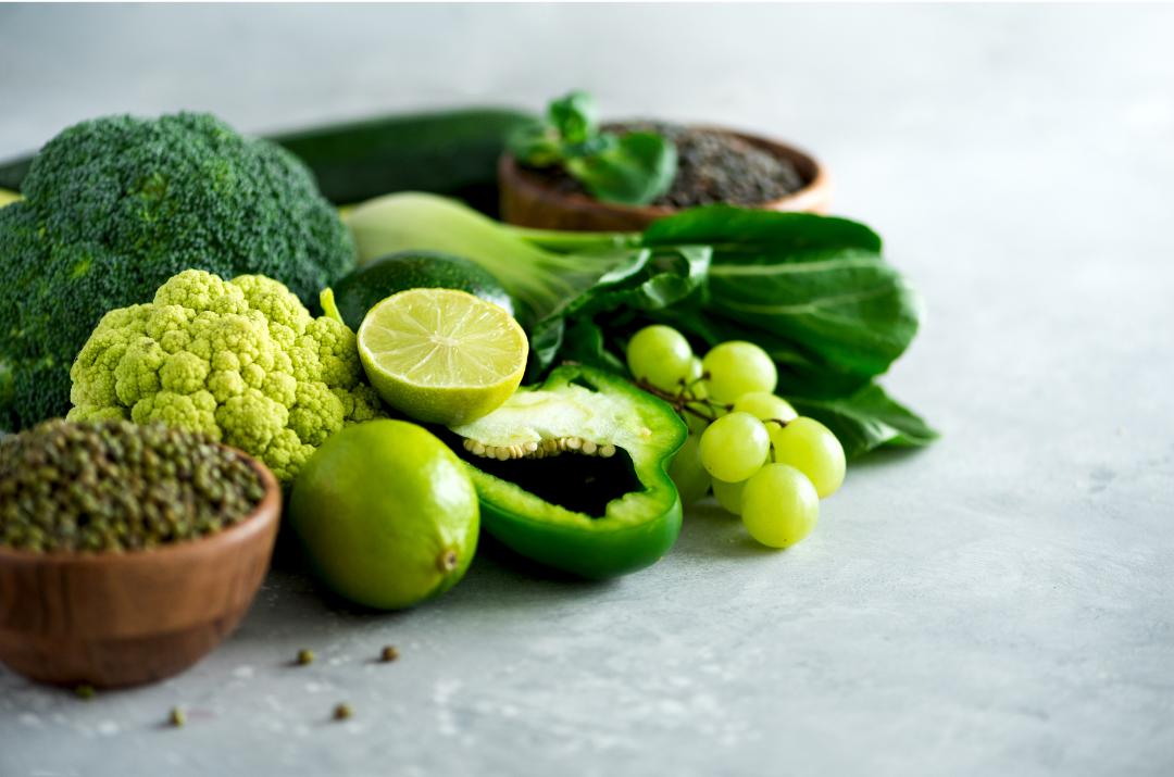 Una alimentación saludable. Alimentos de color verde.